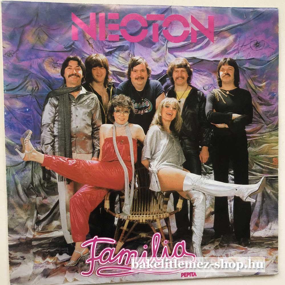 Neoton Familia - Smile Again - Forget
